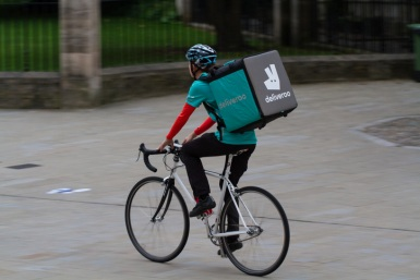 Deliveroo-to-give-its-riders-free-accident-insurance