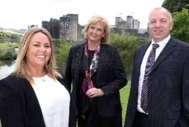 L-R-Caerphilly-Castle-Claire-Richards-Helen-Love-&-Jonathan-Davies