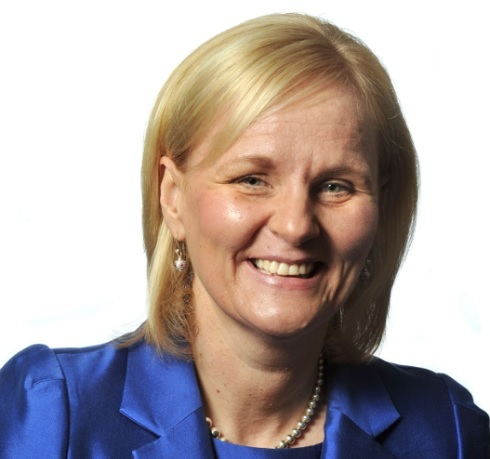 Amanda-Blanc-CEO-AXA-UK-&-Ireland