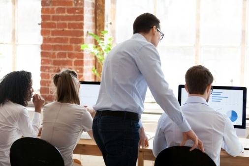 Apprentice-training-in-office
