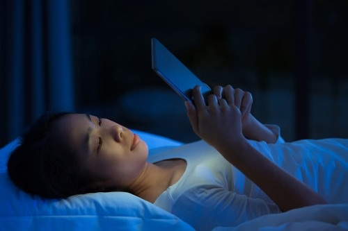 Aviva-research-reveals-extent-of-UK's-digital-addiction-and-the-effects-its-having-on-sleep