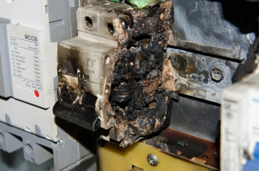 Pyrostickers-use-in-tackling-electrical-fires