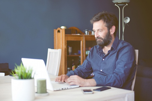 Underwriter-working-from-home