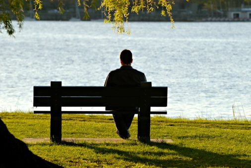 QBE-examines-the-rise-of-workplace-loneliness
