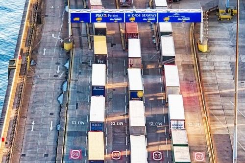 Lorry-stuck-at-port