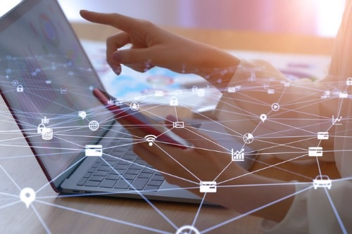AXA-deploys-its-smart-working-strategy